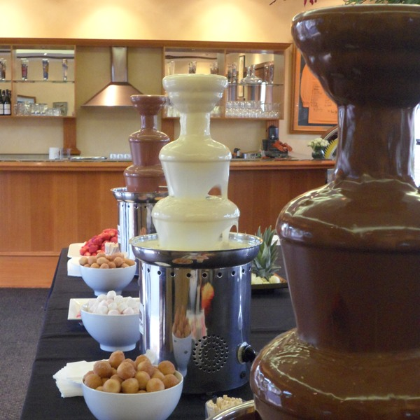 3-chocolate-fountains-cs.jpg