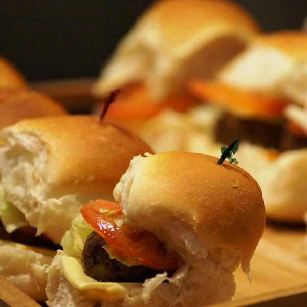 mini-beef-sliders-cr.jpg