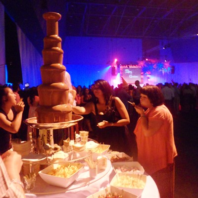 perths-largest-chocolate-fountain-cs.jpg